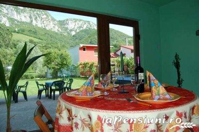 Casa Bianca - accommodation in  Cernei Valley, Herculane (04)
