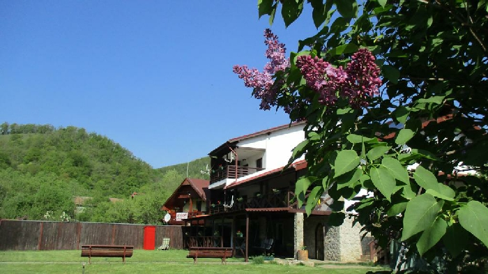 Cabana Poiana Galdei - accommodation in  Apuseni Mountains (04)