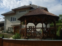 Pensiunea Ion de la Cruce - accommodation in  Maramures Country (01)