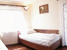 Pensiunea Magnolia - accommodation in  Maramures Country (03)