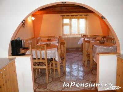 Cabana Cascada - accommodation in  Apuseni Mountains (02)