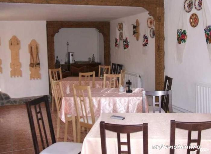 Casa Muntean - accommodation in  Maramures Country (02)