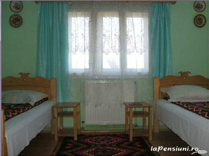 Casa Muntean - accommodation in  Maramures Country (04)