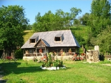 Pensiunea Rustic - accommodation in  Maramures Country (01)