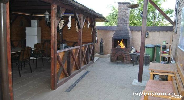 Pensiunea Delta Rustic - accommodation in  Danube Delta (09)