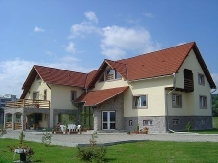 Rural accommodation at  Pensiunea Roxana