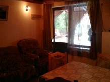Casuta Paterau - accommodation in  Slanic Prahova (06)