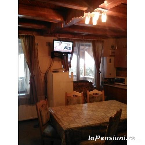 Casuta Paterau - accommodation in  Slanic Prahova (13)