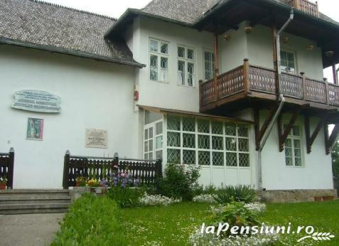 Vila Anna - accommodation in  Prahova Valley (Surrounding)