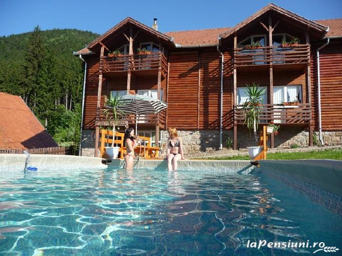 Pensiunea Csomad - accommodation in  Harghita Covasna, Tusnad (01)