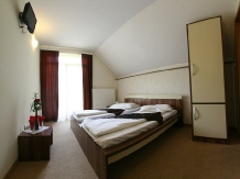 Pensiunea Lacul Linistit - accommodation in  Apuseni Mountains (03)