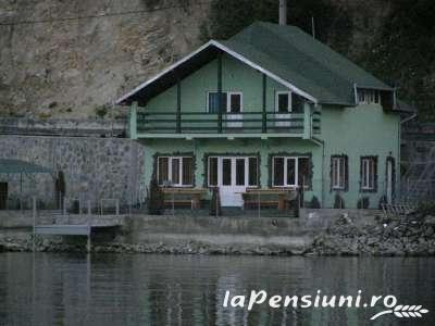 Pensiunea Maria - accommodation in  Danube Boilers and Gorge, Clisura Dunarii (01)