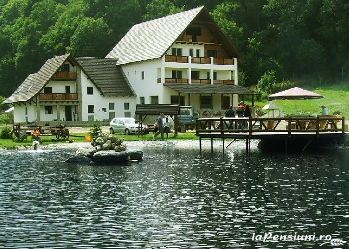 Hanul Roua Sanzienelor - accommodation in  Fagaras and nearby (01)