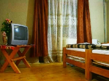 Pensiunea sub Piatra - accommodation in  Motilor Country, Arieseni (03)