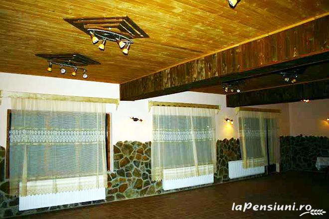 Pensiunea sub Piatra - accommodation in  Motilor Country, Arieseni (07)