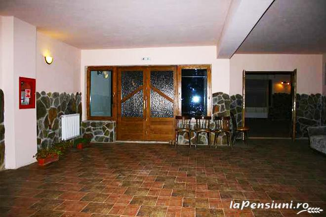 Pensiunea sub Piatra - accommodation in  Motilor Country, Arieseni (09)