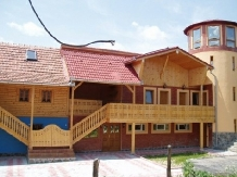 Rural accommodation at  Pensiunea Bilcu House