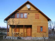 Cabana Vistioara - accommodation in  Fagaras and nearby, Sambata (01)