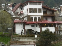 Pensiunea New Aosta Garden - accommodation in  Prahova Valley (01)