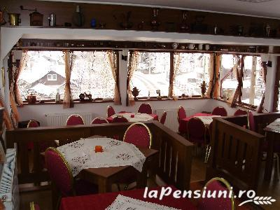 Pensiunea New Aosta Garden - accommodation in  Prahova Valley (04)