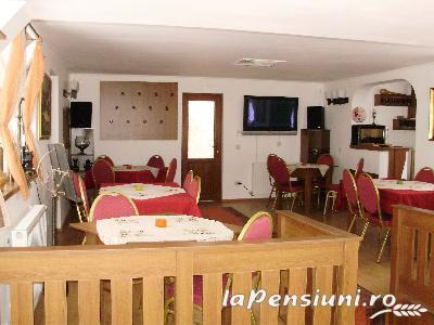 Pensiunea New Aosta Garden - accommodation in  Prahova Valley (05)