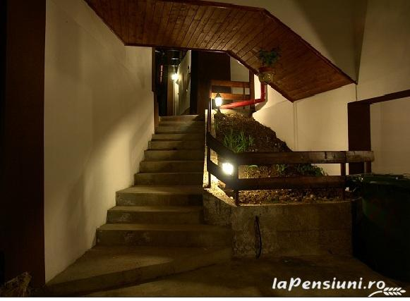 Pensiunea New Aosta Garden - accommodation in  Prahova Valley (13)