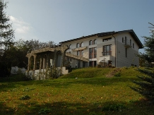 Rural accommodation at  Pensiunea Rapsodia