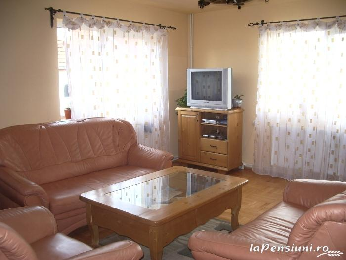 Pensiunea agroturistica Casa din prund - accommodation in  Fagaras and nearby, Transfagarasan (04)