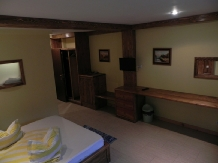 Pensiunea La Cetate - accommodation in  Fagaras and nearby, Transfagarasan (08)
