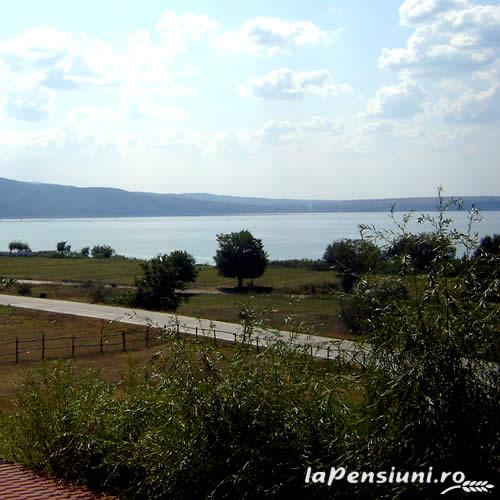 Pensiunea Happy Fish - accommodation in  Danube Boilers and Gorge, Clisura Dunarii (02)