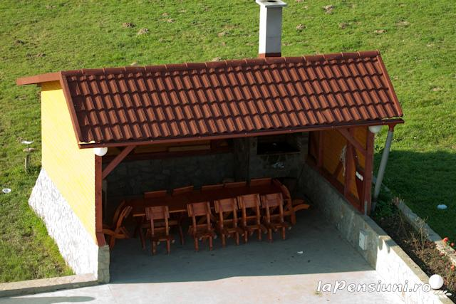 Pensiunea Coroana Reginei - accommodation in  Rucar - Bran, Moeciu, Bran (13)