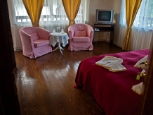 Pensiunea Tolstoi - accommodation in  Rucar - Bran, Moeciu, Bran (07)