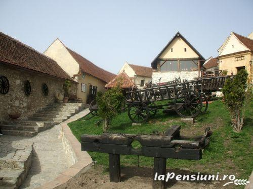 Pensiunea Ingrid - accommodation in  Rucar - Bran, Moeciu, Bran (03)