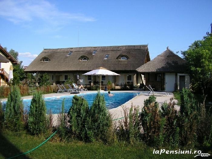 Pensiunea Turistica Puf si Stuf - accommodation in  Danube Delta (03)