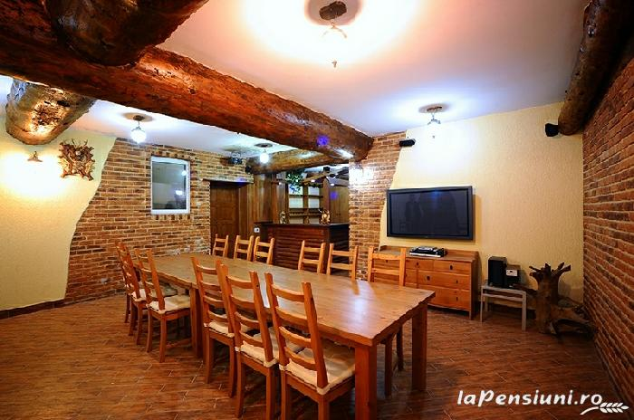 Pensiunea Turistica Puf si Stuf - accommodation in  Danube Delta (11)