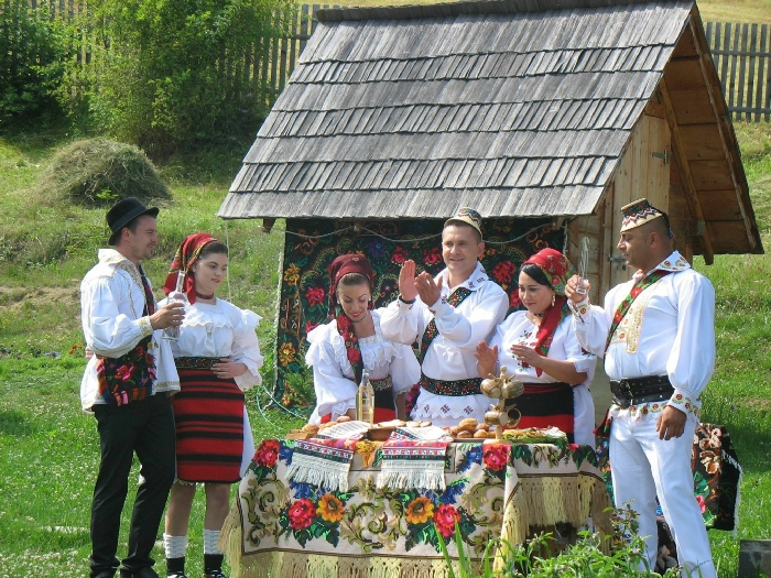 Casele de vacanta Luca si Vicentiu - accommodation in  Maramures Country (04)