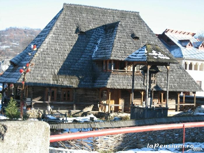 Casele de vacanta Luca si Vicentiu - accommodation in  Maramures Country (60)