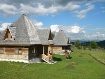 Casele de vacanta Luca si Vicentiu - accommodation in  Maramures Country (71)