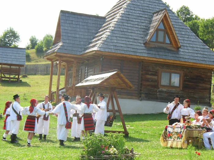 Casele de vacanta Luca si Vicentiu - accommodation in  Maramures Country (80)