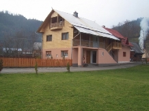 Rural accommodation at  Pensiunea Ady