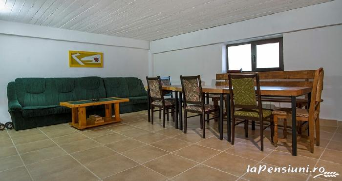 Casa Georgescu - accommodation in  Rasnov (36)