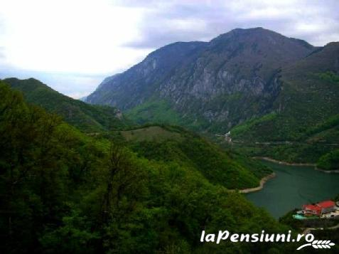 Pensiunea Casa Natura - accommodation in  Cernei Valley, Herculane (Surrounding)