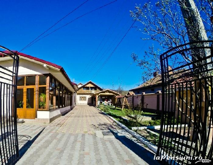 Vila Speranta - accommodation in  Muntenia (03)