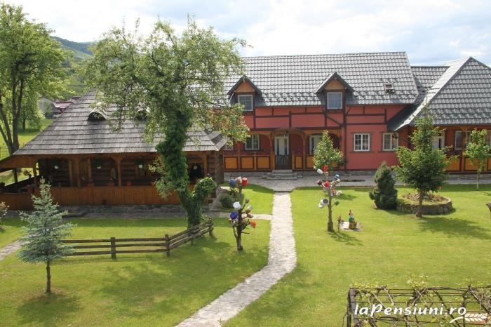 Pensiunea Turlas - accommodation in  Maramures Country (02)