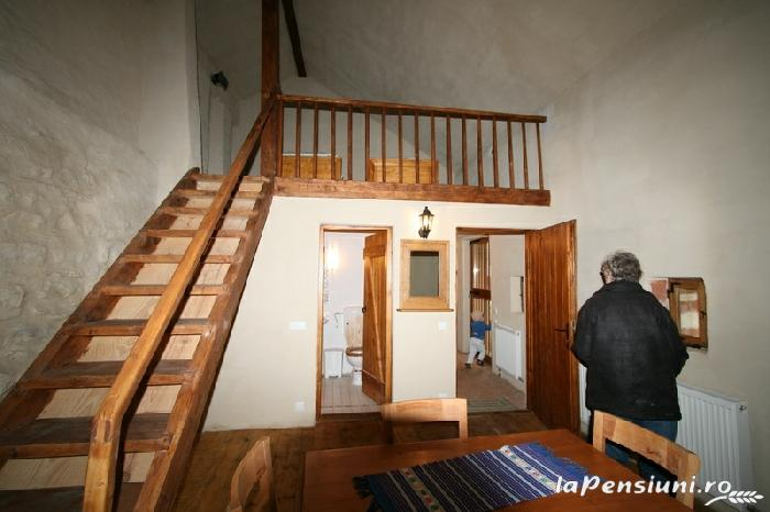 Ceteatea Axente Sever - Pensiune - accommodation in  Sighisoara (08)