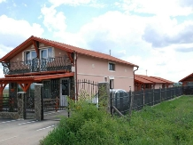 Cazare Casute Mihaieni - accommodation in  Maramures Country (02)