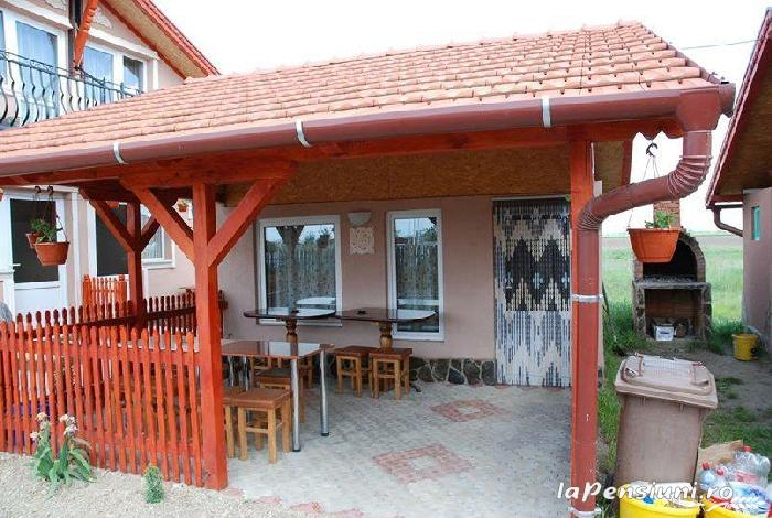 Cazare Casute Mihaieni - accommodation in  Maramures Country (12)