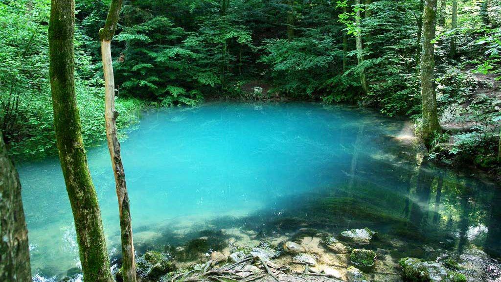 Imagini pentru lac albastru maramures